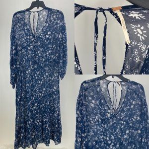 $158 Retail M Women's cover up A50
